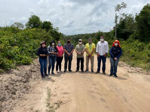 Márcia Baranda acompanha equipe do Incra e CEF em mais uma etapa do projeto de asfaltamento da Vila Amazônia