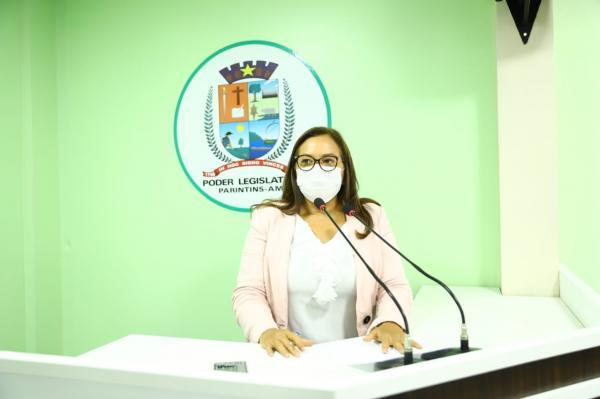 Márcia Baranda faz discurso em defesa do diálogo e da vida em busca de solução para Hospital Padre Colombo