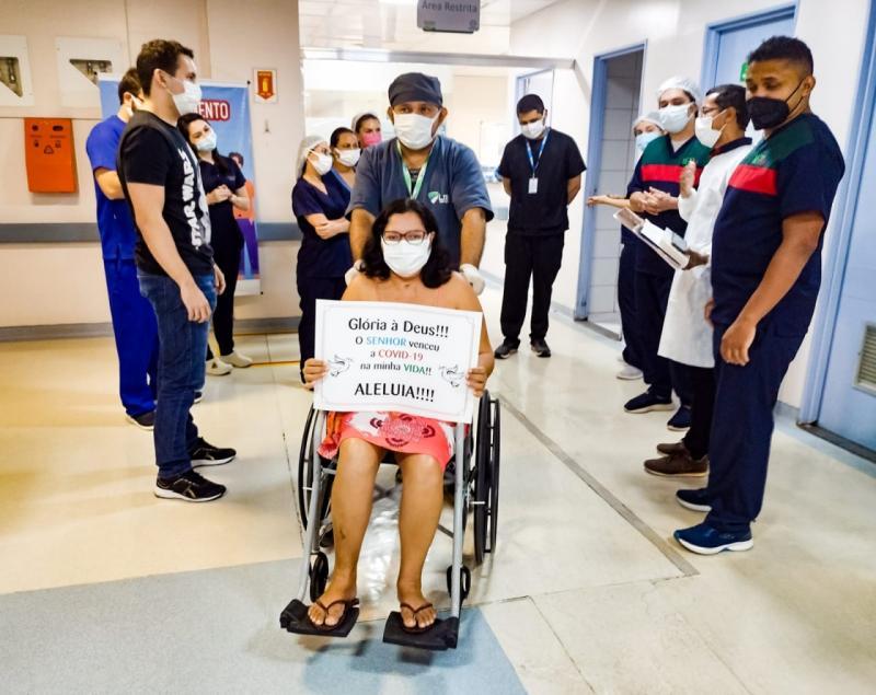Covid-19: após 40 dias internada, paciente recebe alta no HPS 28 de Agosto