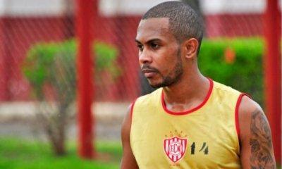 Jogador que agrediu árbitro no RS passou pela base do Internacional e tem histórico de violência