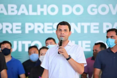 Em Parintins, Saullo Vianna participa de entrega da primeira ala de UTI do interior do Amazonas