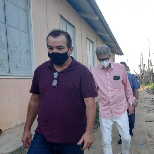 Déficit Habitacional: vereador Massilon fiscaliza áreas de ocupação em Parintins
