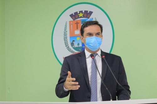Mateus Assayag destaca investimentos e requer criação de linha telefônica para atendimento às demandas de Iluminação Pública