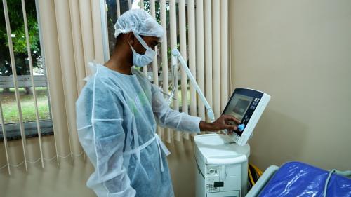 Primeiros pacientes são atendidos em leitos de UTI em Parintins, implantados pelo Governo do Estado