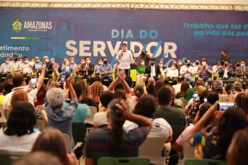 Conquista histórica: Governo do Amazonas ajustará lei para beneficiar servidores que aguardam aposentadoria