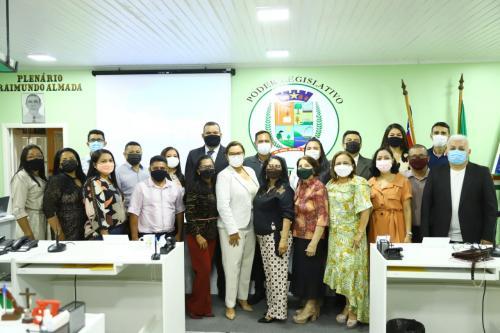 Márcia Baranda destaca excelência dos profissionais da educação municipal que ministraram aulas pelo rádio no pico da pandemia