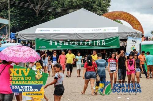 Feira de agronegócios movimenta comércio de Boa Vista do Ramos