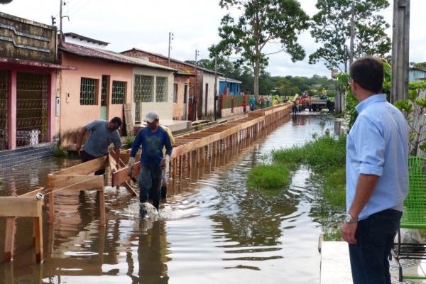 Pontes no Bairro Itaguatinga começam a ser construída