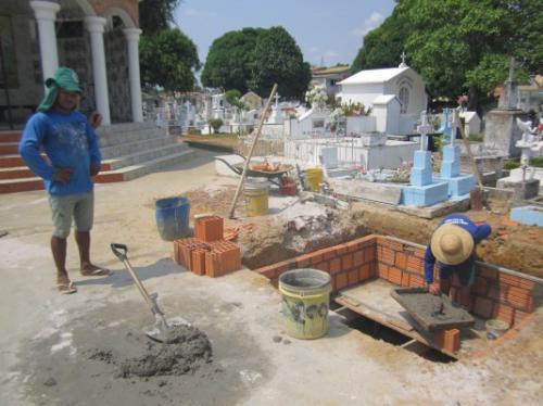Tony Medeiros decreta recadastramento de sepulturas provisórias e perpétuas no Cemitério de Parintins