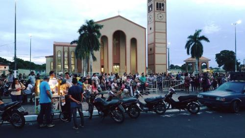 Professores fazem novo protesto em Parintins pela pagamento do Abono do Fundeb
