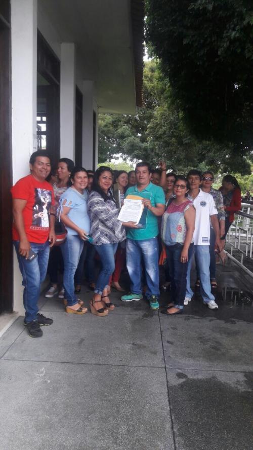 Professores protocolam denúncia sobre abono do Fundeb no Ministério Público de Parintins