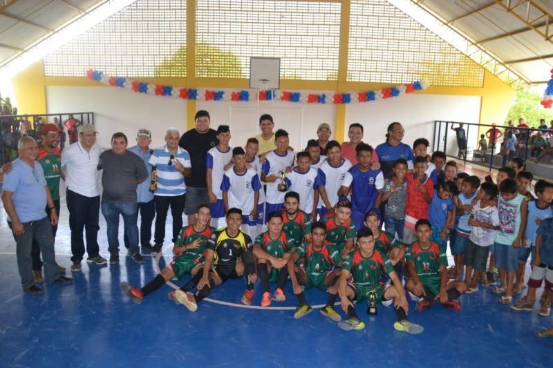 Região do Tracajá ganha novo ginásio em dia de festa