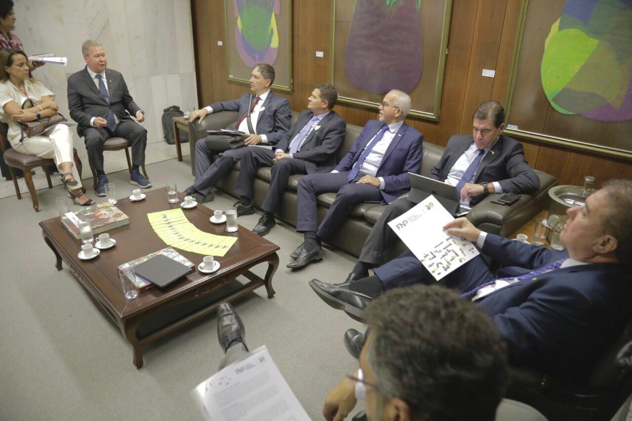 12-09 - Prefeito se reúne com ministro da Secretaria de Governo em Brasí... (2)