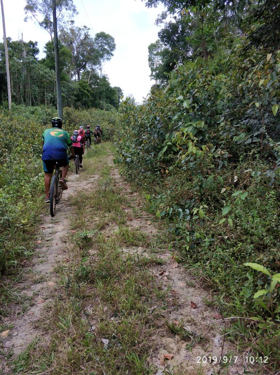 Aventureiros realizam trilha rural de bike da Vila Amazônia ao Santo Antônio do Tracajá 4