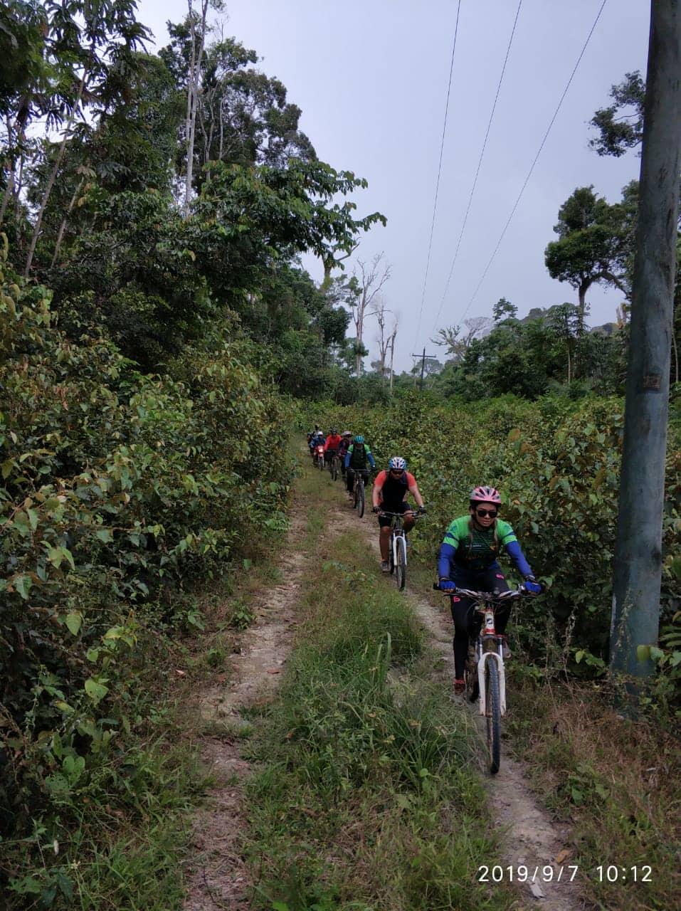 Aventureiros realizam trilha rural de bike da Vila Amazônia ao Santo Antônio do Tracajá 5