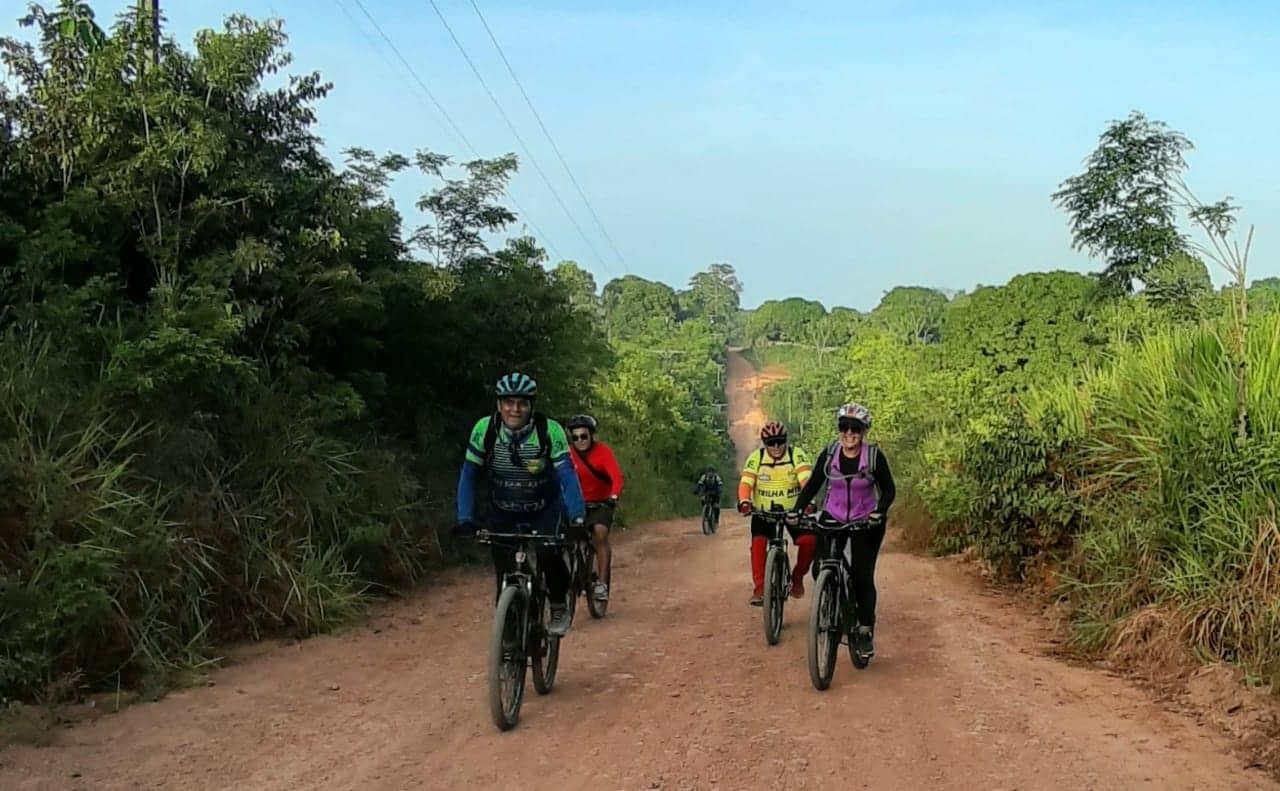 Aventureiros realizam trilha rural de bike da Vila Amazônia ao Santo Antônio do Tracajá 7
